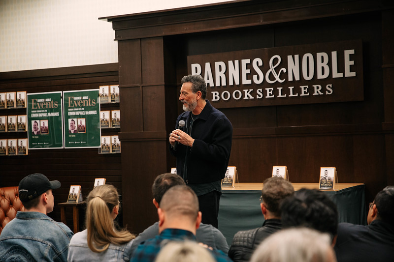 2019_2_28_TWOTW_BookSigning_SP_047.jpg