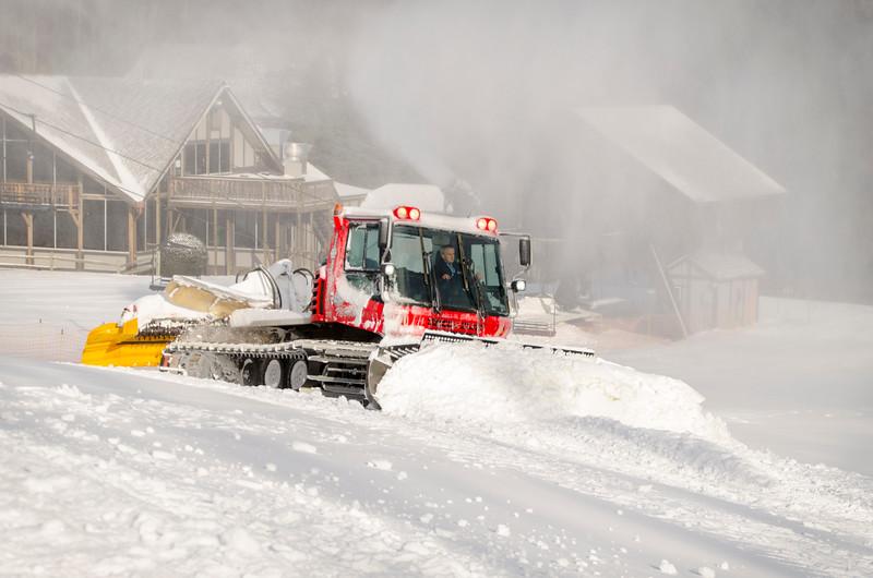 Snowmaking-n-SnowCats_Snow-Trails-49.jpg