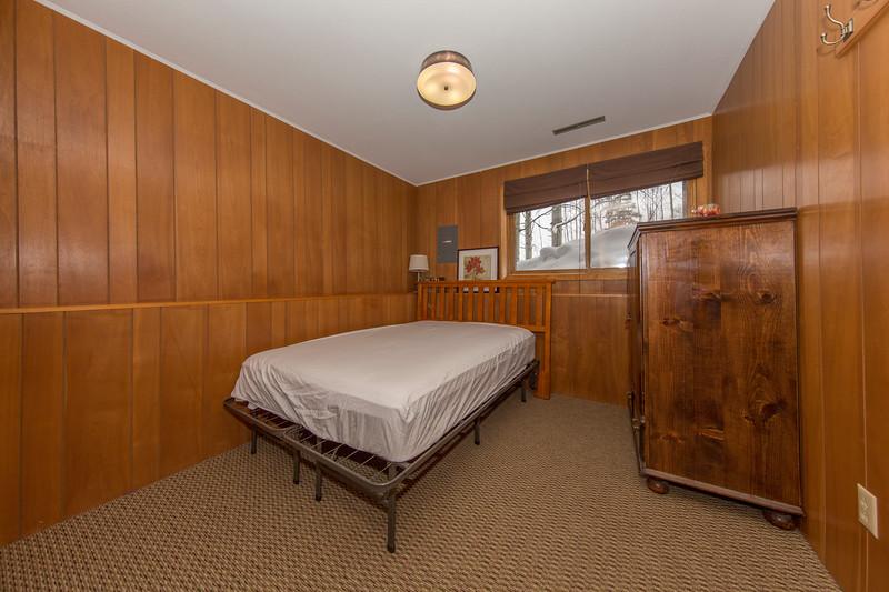 Bed 2 Flash.JPG