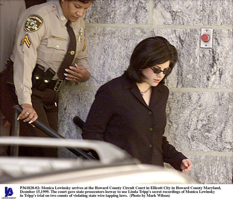 . Monica Lewinsky arrives at the Howard County Circuit Court in Ellicott City in Howard County Maryland, Dcember 15,1999. The court gave state prosecutors leeway to use Linda Tripp\'s secret recordings of Monica Lewinsky in Tripp\'s trial on two counts of violating state wire tapping laws. (Photo by Mark Wilson)