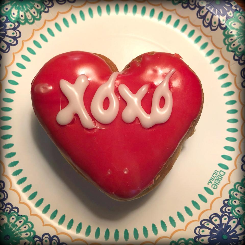 xoxo donut - heart donut