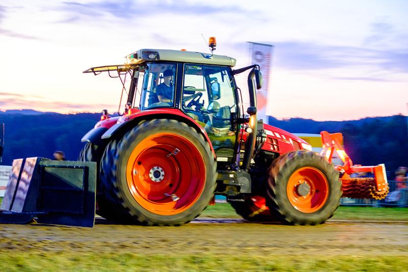Tractor Pulling 2015-2089.jpg
