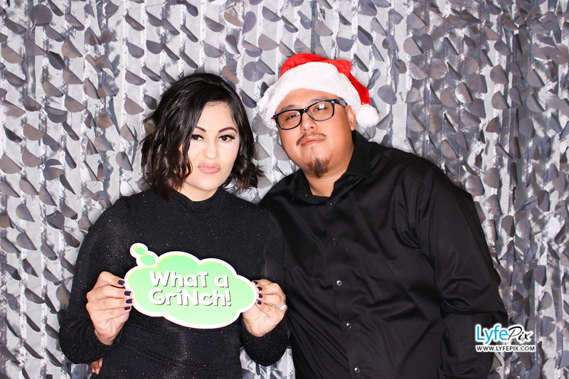 red-hawk-2017-holiday-party-beltsville-maryland-sheraton-photo-booth-0107.jpg