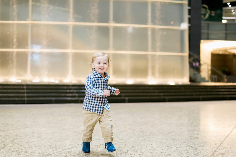 downtown-detroit-family-session-intrigue-photography-19.jpg