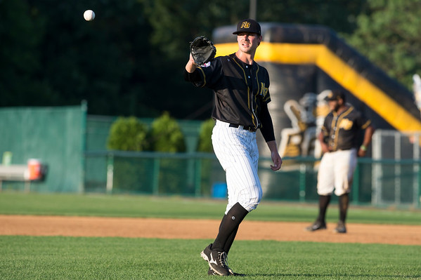 07/05/19 Wesley Bunnell | Staff The New Britain Bees vs the Sugar Land Skeeters at New Britain Stadium on Friday July 5, 2019. Jed Bradley (27).