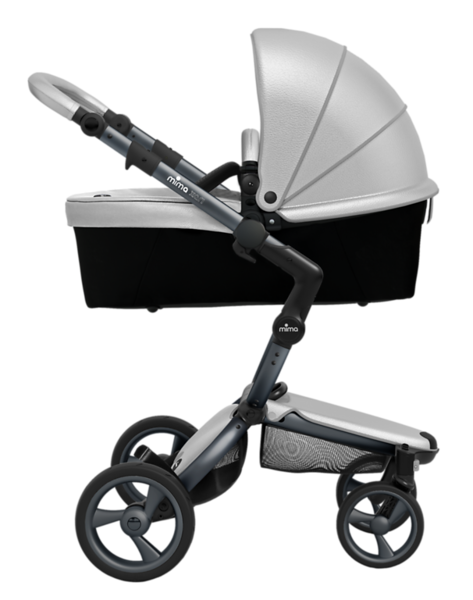 Mima_Xari_Product_Shot_Argento_Graphite_Chassis_Side_View_Carrycot.png