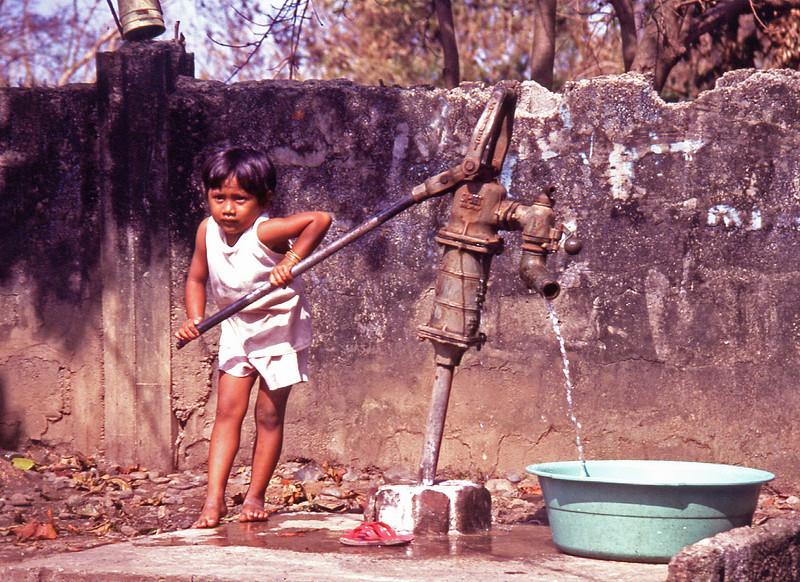 cebu89.girl at pump•.jpg