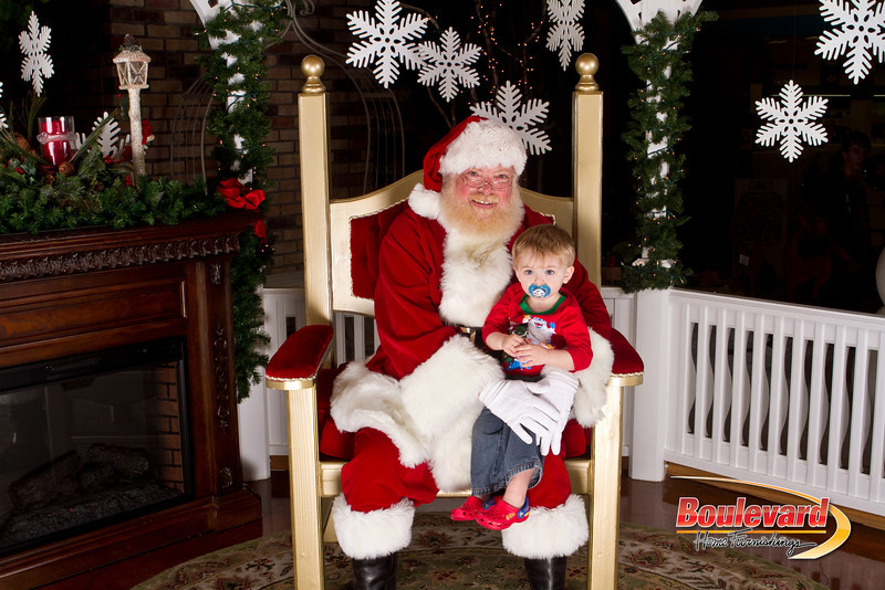 Santa Dec 15-137.jpg