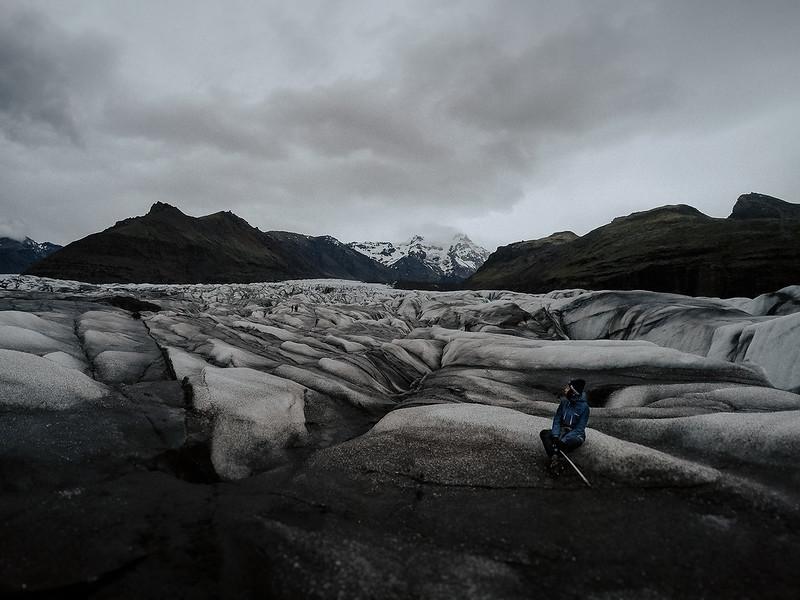 Tu-Nguyen-Destination-Wedding-Photographer-Iceland-Elopement-Fjaðrárgljúfur-16-167a-45.jpg