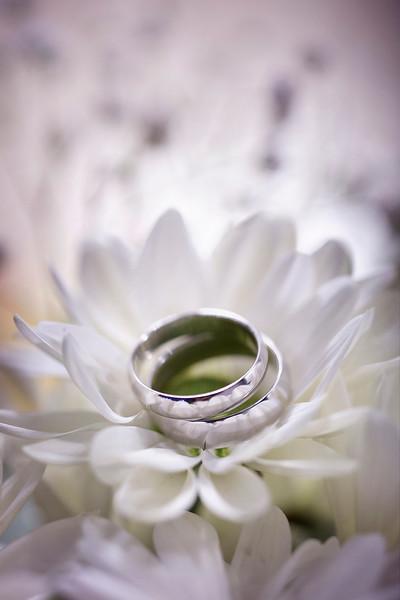 Photomanic-photography-leeds-wedding-rings-19.jpg