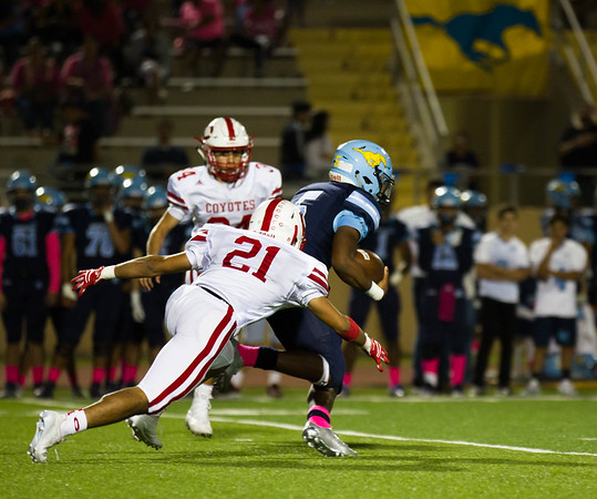 October 20, 2017 - Football - La Joya Coyotes vs McAllen Memorial - Game Action_GU