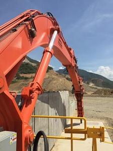 NPK B95000HD pedestal boom system with GH12 hydraulic hammer (6).jpg