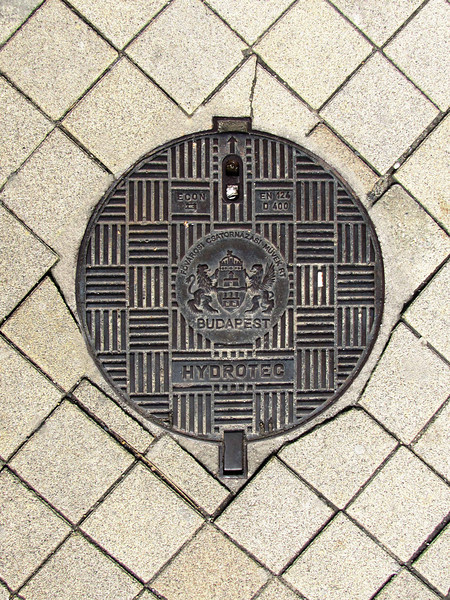 01-Manhole with City Seal