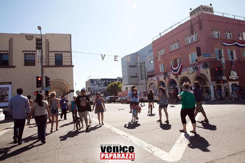 VenicePaparazzi-23.jpg
