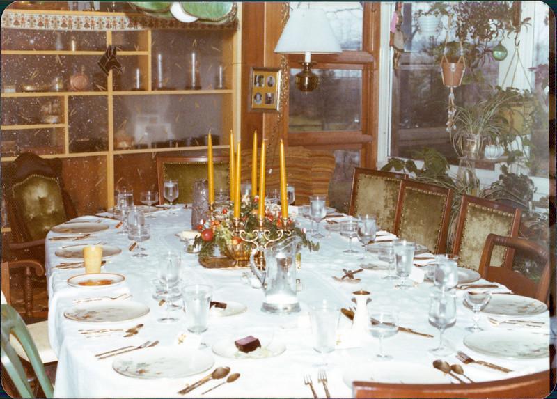 1976 Thanksgiving.jpg