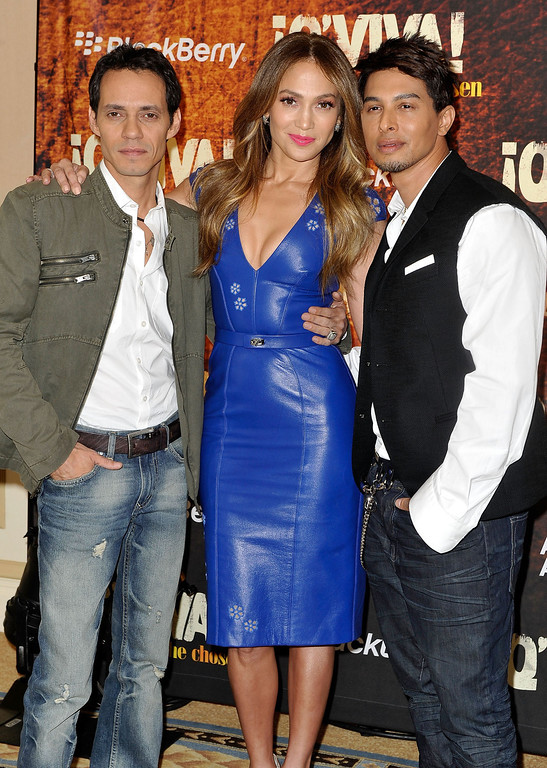 . PASADENA, CA - JANUARY 14:  (L-R) Marc Anthony, Jennifer Lopez and Jamie King attend a press event for their new show Q\'VIVA! THE CHOSEN at the Langham Huntington Hotel and Spa on January 14, 2012 in Pasadena, California.  (Photo by Jerod Harris/Getty Images for Kohl\'s)