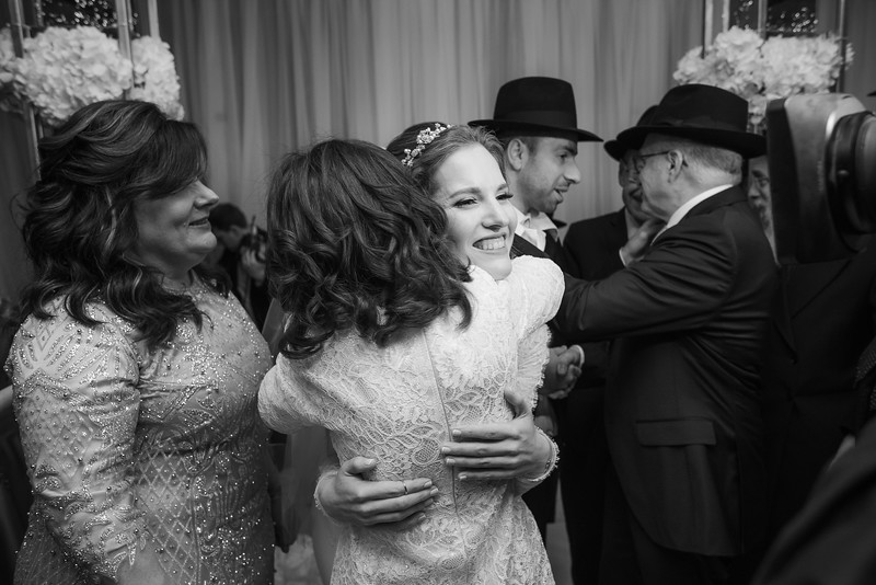 Miri_Chayim_Wedding_BW-605.jpg