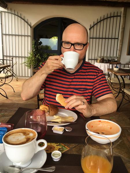 Joe enjoys his last breakfast at Hotel Signum