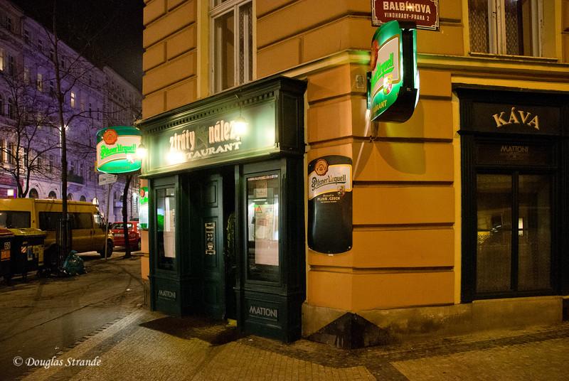 Ztraty Nalez Restaurant at night.