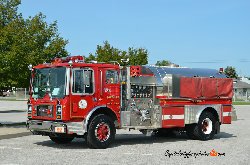 Windsor (Laurel Fire Co.) Tanker 37: 1984 Mack MC/1995 4 Guys/2004 Wagner 1000/2000 (X-Libertytown, MD)