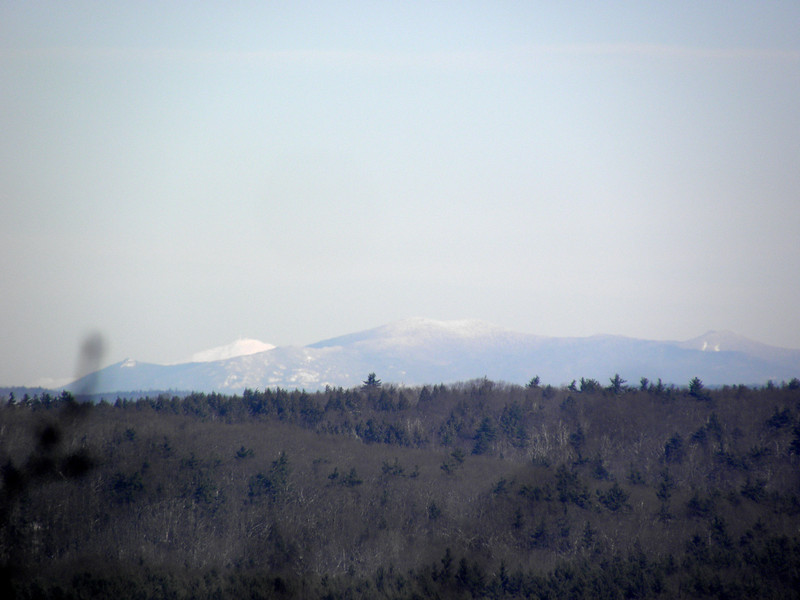 The mass of Sandwich Mountain in front, Trypiramids at right with the top of the south slide, Washington at left.JPG