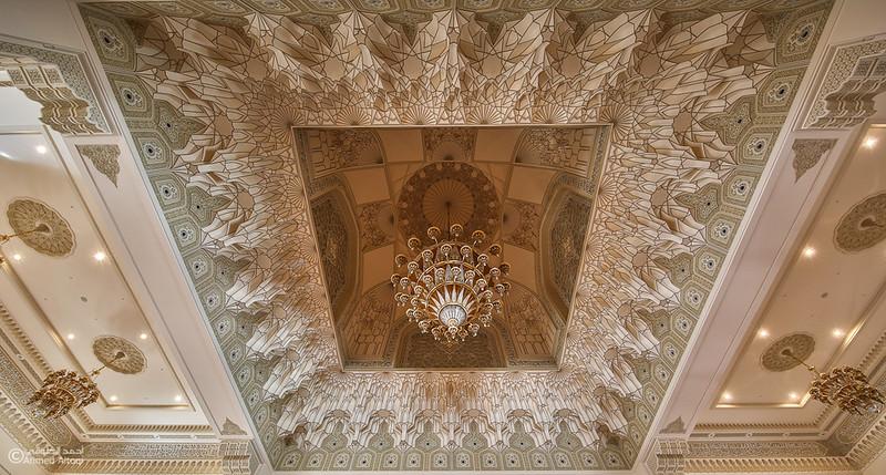 Sultan Qaboos mosque -- Sohar (46).jpg