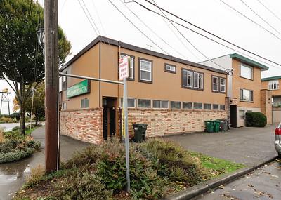 6558 Greenwood Ave 98117 web