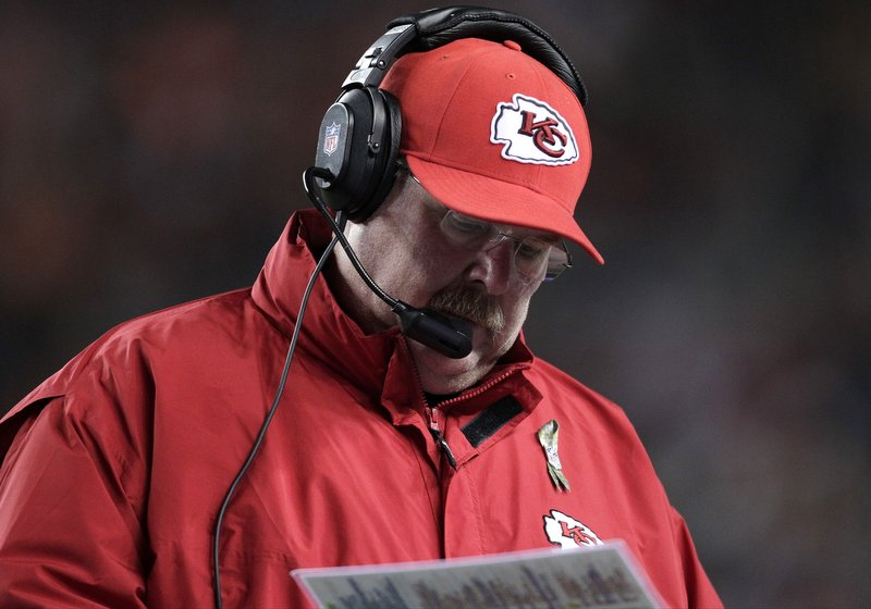 . <p><b> Chargers at Chiefs (-5):</b> <p>Kansas City coach Andy Reid blamed the Chiefs� first loss on offensive mistakes and missed opportunities Sunday night in Denver. Of course, they lost because the Broncos were the Chiefs� first opponent with an actual pulse. <p>Pick: <b>Chiefs by 3</b> <p>    (AP Photo/Joe Mahoney)