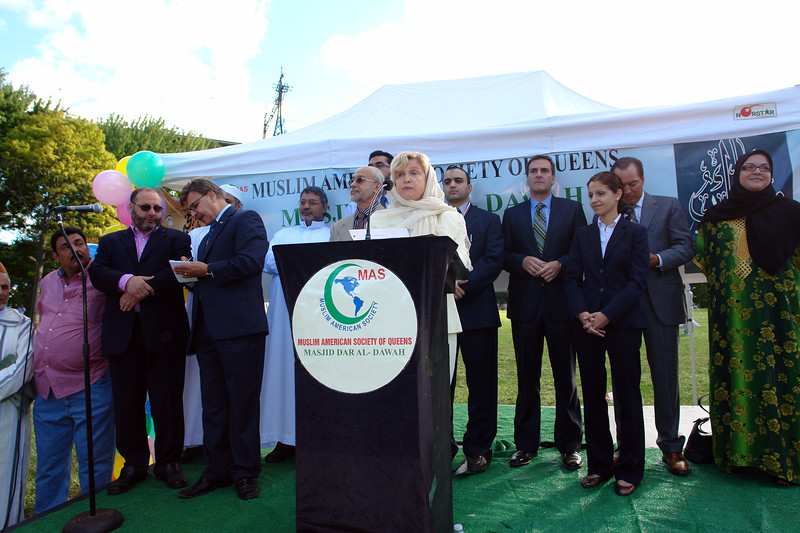 Ellected officials Congresswoman Carolyn Maloney, Asm. Michael Gianaris, Cm Peter Vallone Jr., Aravella Simotas candidate for S.A. Muslims American Society of Queens, organizers and members.