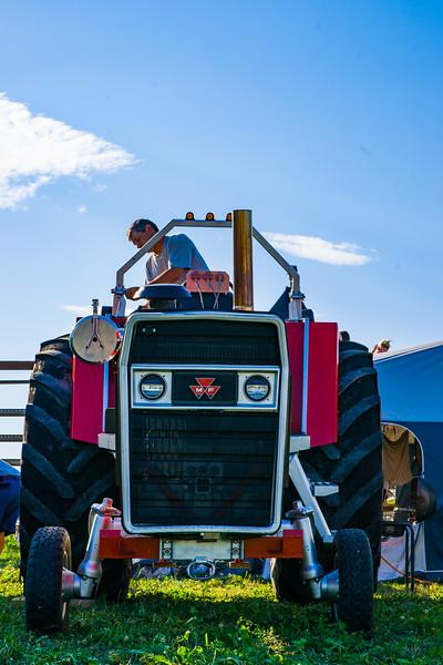 Tractor Pulling 2015-01589.jpg
