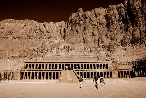 DEIR EL-BAHRI TEMPLE, EGYPT