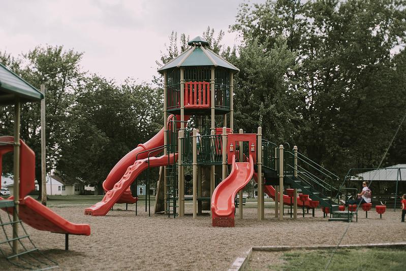 Eloise & Isabelle, BG Park 149.jpg