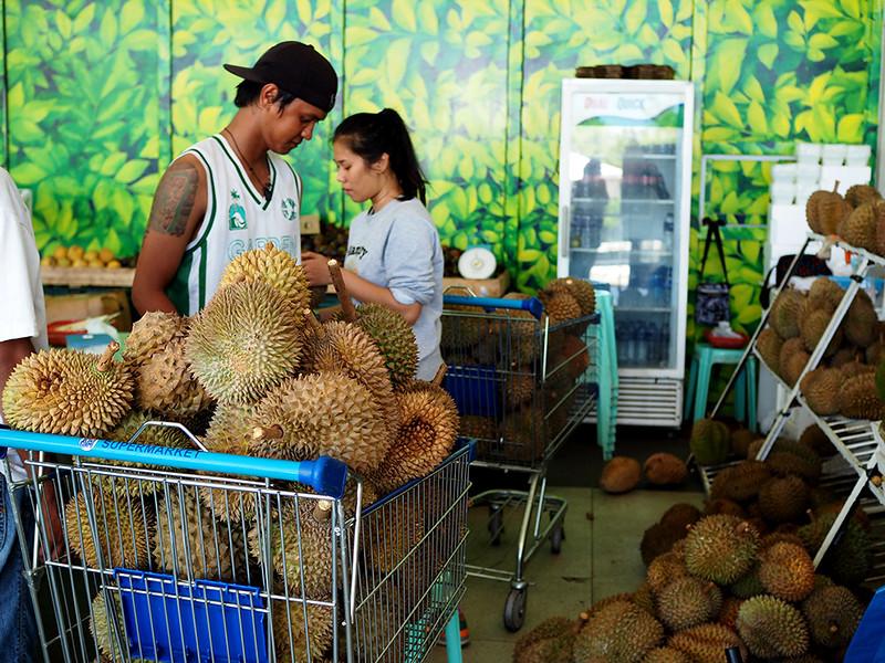SM-Lanang-Durian-Stall.jpg