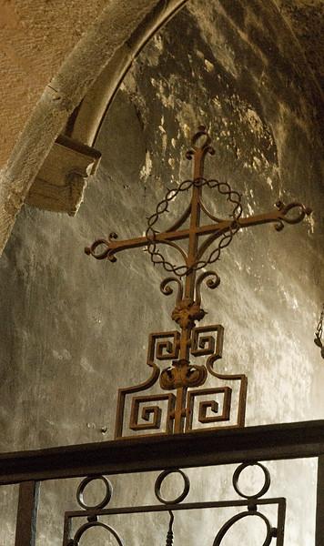 beaune church cross.jpg
