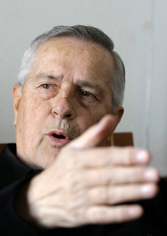 . Ex-Yugoslav army Gen. Vlado Trifunovic speaks during an interview with The Associated Press, in Belgrade, Serbia. Serbia�s state TV says former Yugoslav army general Vlado Trifunovic, whose treason conviction by Serbia�s wartime nationalist leadership became a symbol of senselessness of the 1990s� Balkan conflict, has died aged 78. Tuesday�s reports say Trifunovic died on Sunday, Jan. 15, 2017 in Belgrade. (AP Photo/Darko Vojinovic, File)