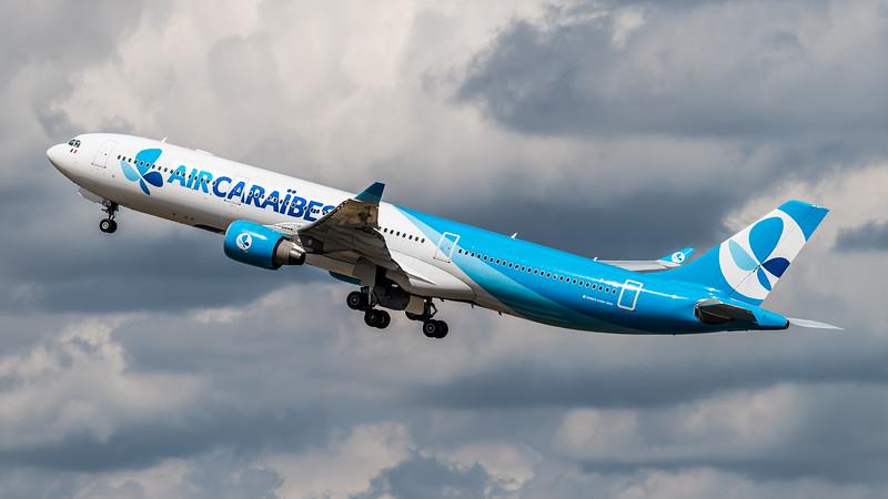 Air Caraibes / Airbus A330-323 / F-HPUJ / FrenchBee cs