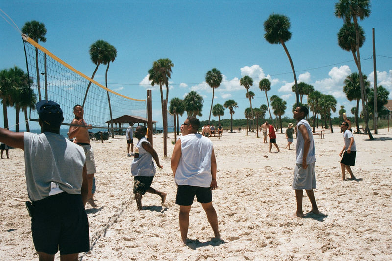 2002 05 22 - 6CS Beach party 04.JPG