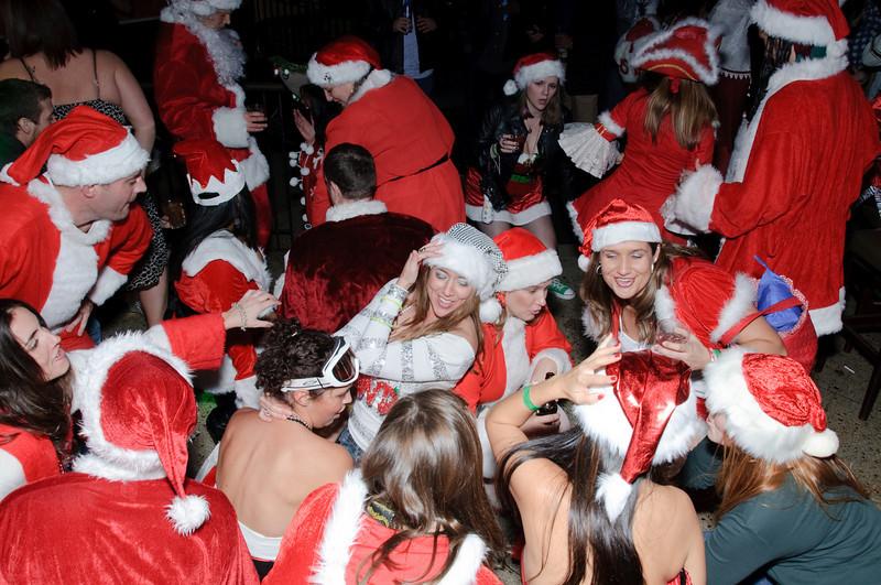2009 ALS Santa Crawl-173.jpg