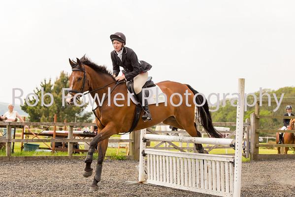 Sarah Russel Wedgbury riding Mr Tea