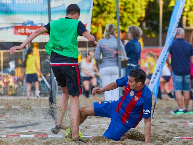20170616 BHT 2017 Beachhockey & Beachvoetbal img 240.jpg
