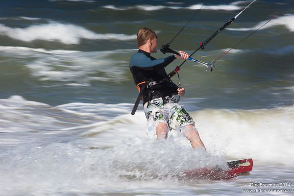 23Feb2014 - Kite Surfing Kings Beach (Panning)