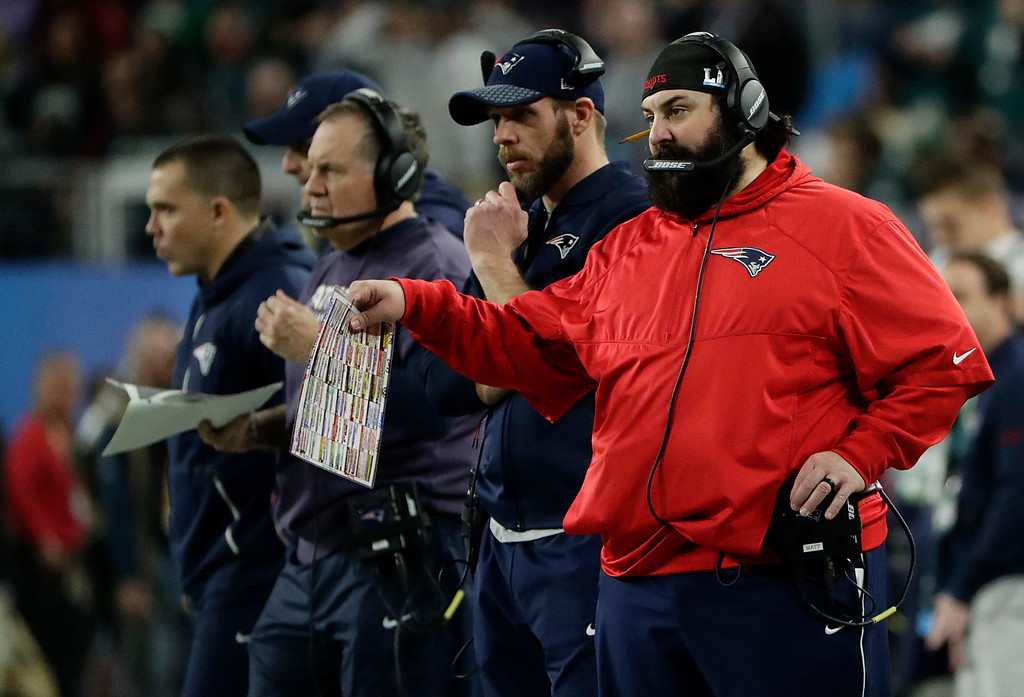 . New England Patriots defensive coordinator Matt Patricia, right, calls a play during the second half of the NFL Super Bowl 52 football game against the Philadelphia Eagles, Sunday, Feb. 4, 2018, in Minneapolis. (AP Photo/Frank Franklin II)