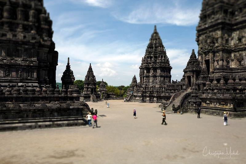 3-31-16112977 Prambanan Temple Yogyakarta Indonesia.jpg