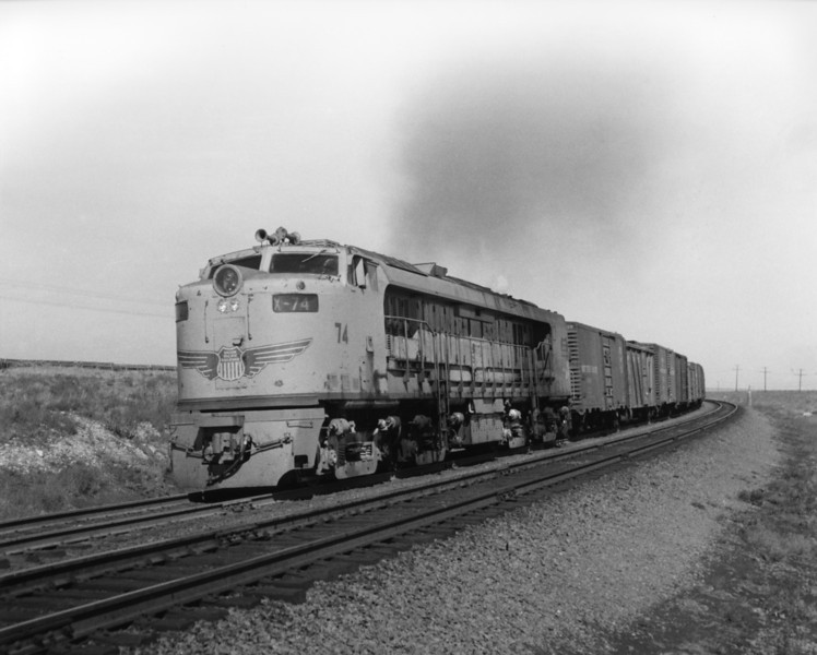 up-74_GTEL_with-train_bosler-wyoming_aug-1957_jim-shaw-photo.jpg