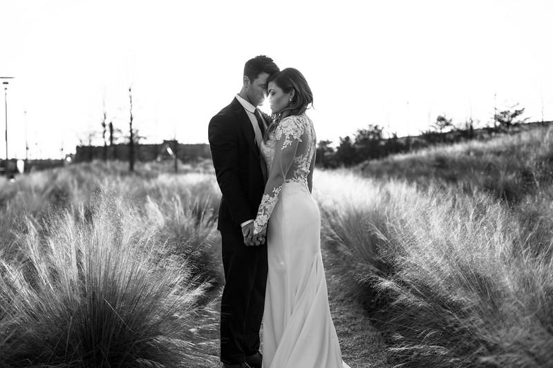 Kate&Josh_B&W_ZACH.WATHEN.PHOTOGRAPHER-455.jpg