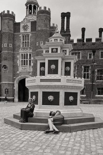 London-Hampton Court Palace