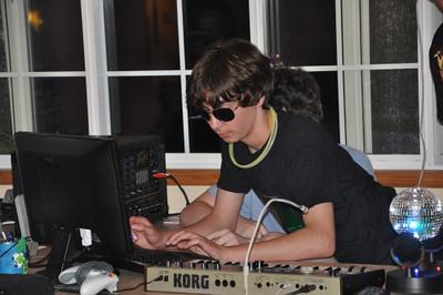 2012/05  Drew's DJ party