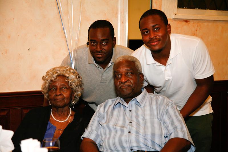 Edouard Family Reunion-3525.jpg