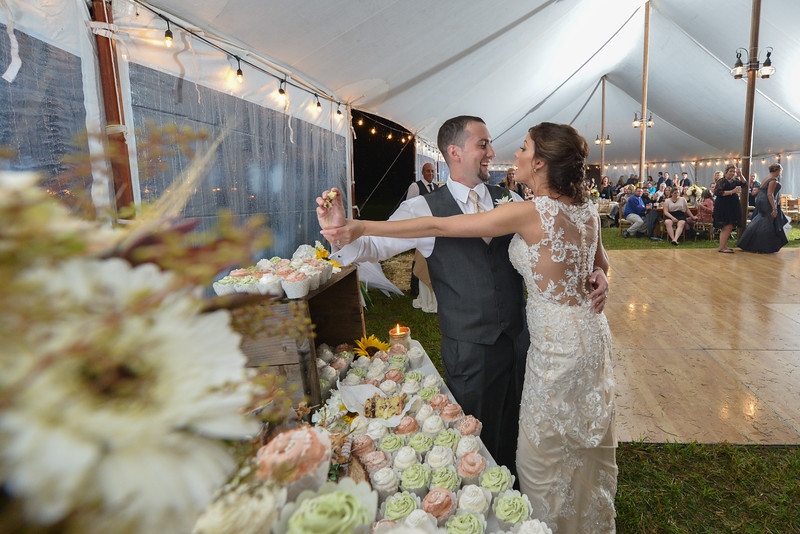 LMVphoto-Ashley and Kevin-161008-1884.jpg