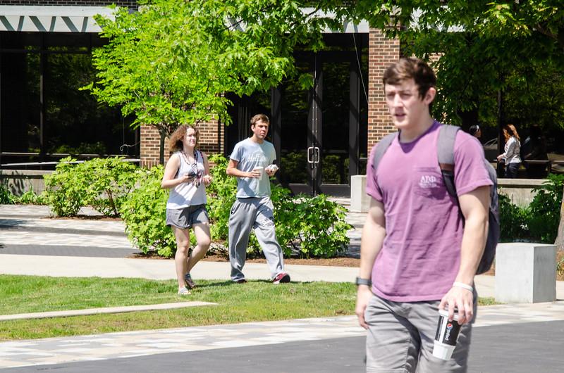 05-07-19 Campus Scenes 02_DSC8053.jpg